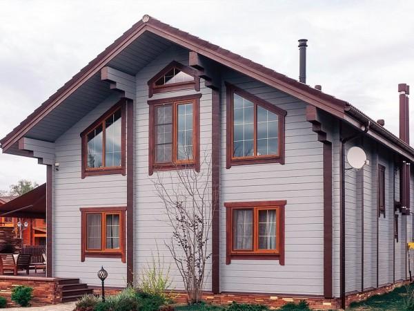покрашеный дом из бруса