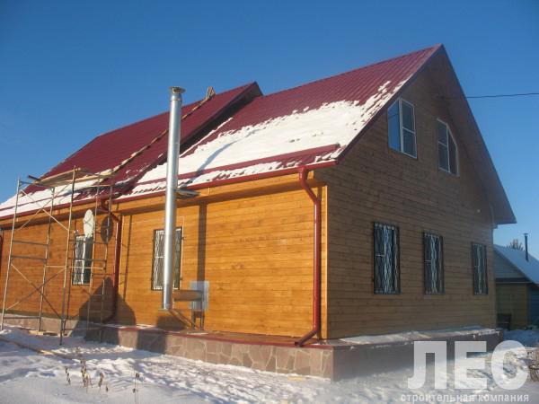 Дом из бруса 8х8 м с верандой 2 м ДБ 5 с мансардным этажом