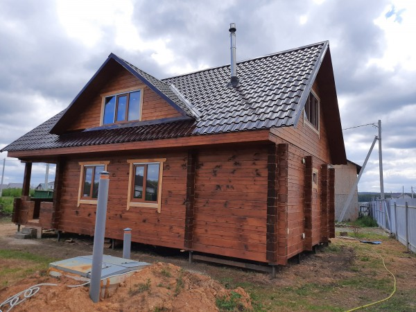 Дом, баня из строганного бруса 200х200 мм, 7х12 м с верандой 2 м ДБ 200